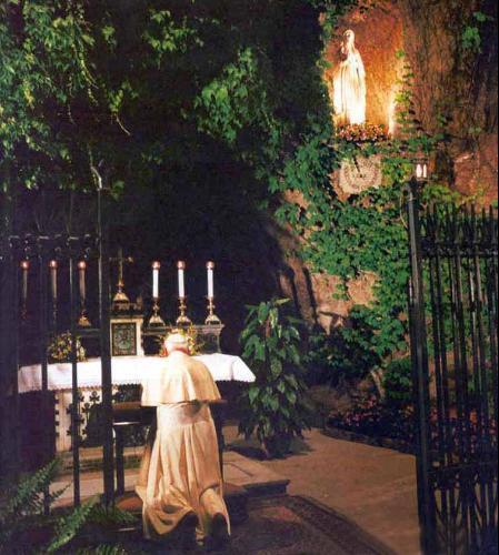 Joao Paulo II em Lourdes.jpg