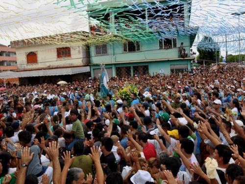 Homenagem dos estivadores é uma das mais tradicionais do Círio. (Foto: Glebson Viana/G1)